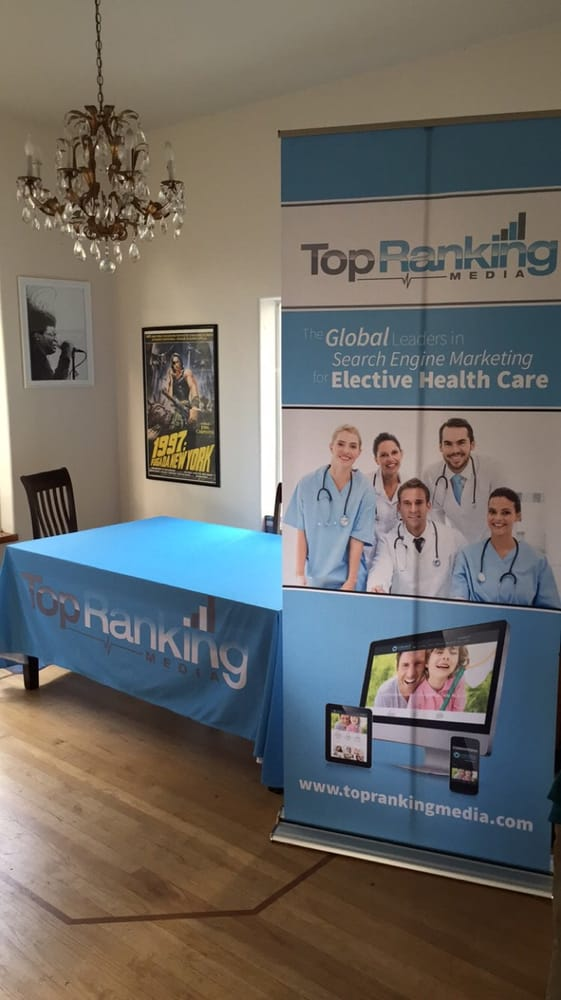 Top Ranking Media Banner Stand & Table Throw